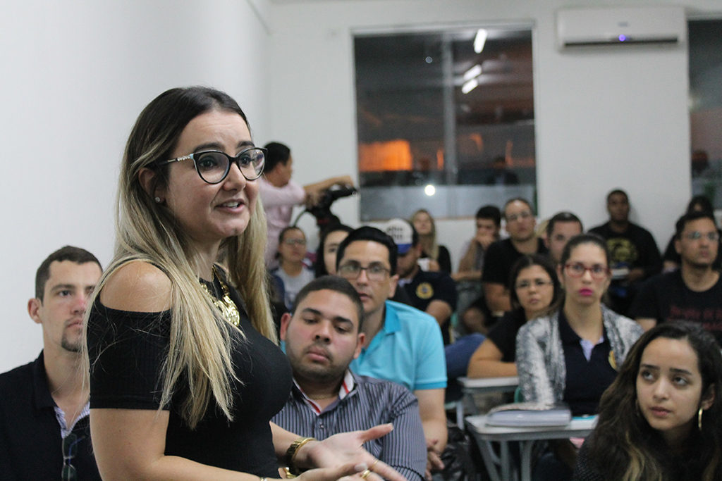 Professora Juaceli Lima, Coordenadora do Curso de Administração da Faculdade Cesrei